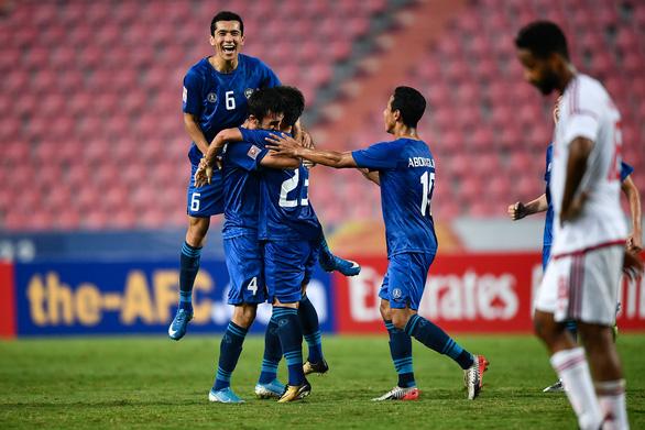 De bep UAE 5-1, DKVD U23 Uzbekistan doat ve vao ban ket