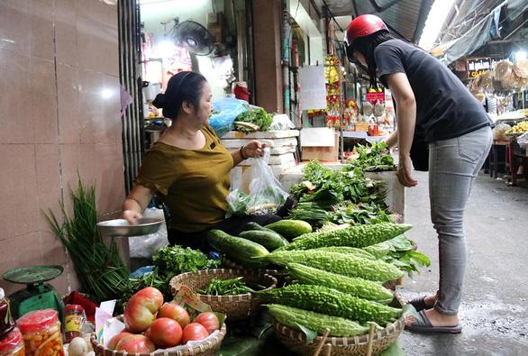 Chợ quê ở Sài Gòn - Kỳ cuối:  Chợ Quảng ở Bảy Hiền - Ảnh 2.