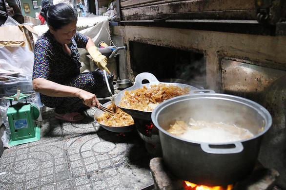 Chợ quê ở Sài Gòn - Kỳ cuối:  Chợ Quảng ở Bảy Hiền - Ảnh 1.