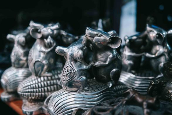 Độc đáo chợ đồ cổ mỗi năm họp một lần tại Hà Nội - Ảnh 7.
