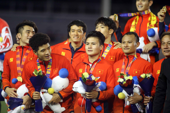 Hùng Dũng, Quang Hải, Văn Hậu tiến gần đến Quả bóng Vàng Việt Nam 2019 - Ảnh 1.
