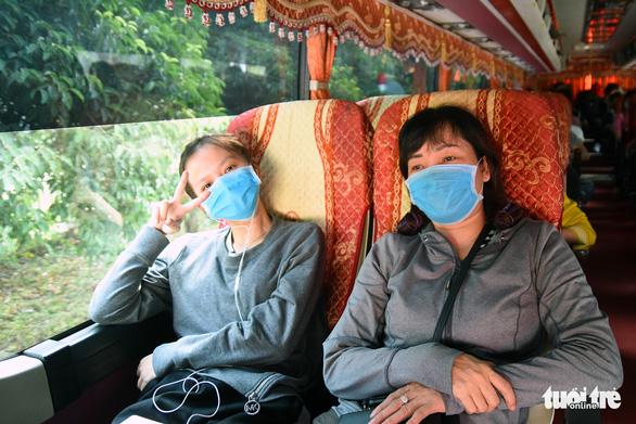 Đồng Nai: Hơn 200 chuyến xe miễn phí đưa công nhân về quê đón tết - Ảnh 1.