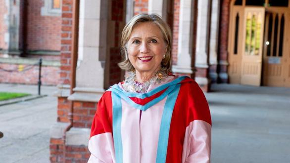 Cựu ngoại trưởng Mỹ Hillary Clinton làm hiệu trưởng đại học ở Bắc Ireland - Ảnh 1.