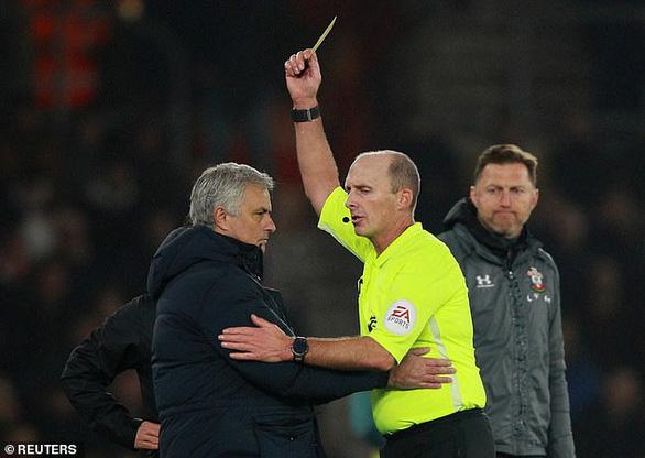 HLV Mourinho nhận 'kết đắng' vì nhìn trộm chiến thuật của Southampton - Ảnh 2.