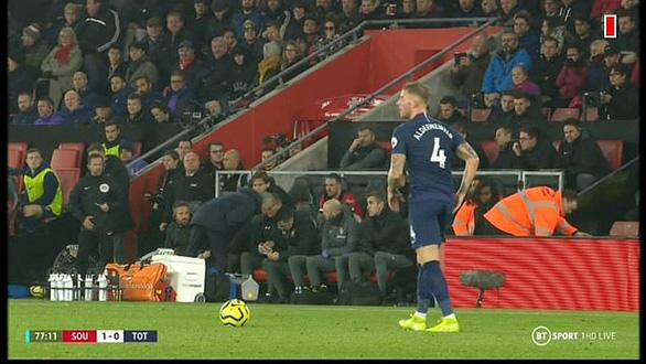 HLV Mourinho nhận 'kết đắng' vì nhìn trộm chiến thuật của Southampton - Ảnh 1.