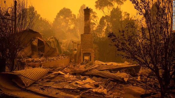 Thảm cảnh của người dân Úc trong mùa cháy rừng kinh hoàng - Ảnh 6.