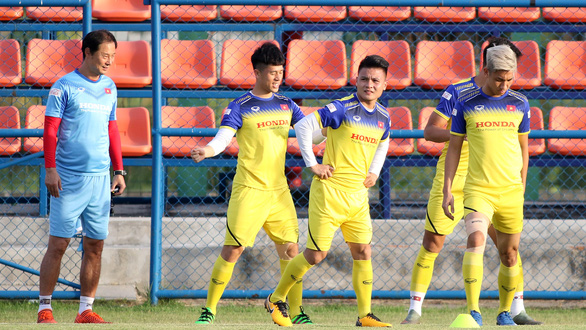 Đình Trọng vẫn tập luyện bình thường sau khi bị AFC loại - Ảnh 2.