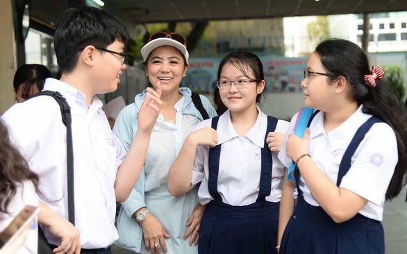 Sơn Tùng, Chi Pu, Jack và K-ICM đua nhau vào đề thi văn - Ảnh 1.