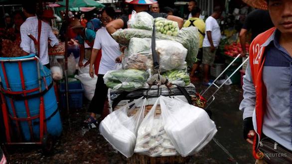 Thái Lan đón năm mới bằng lệnh cấm túi nhựa dùng 1 lần - Ảnh 1.