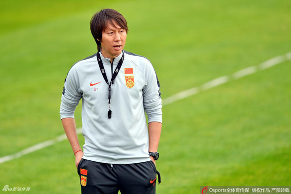 Vỡ mộng với thầy ngoại lừng danh, Trung Quốc chọn hàng nội cho đội tuyển - Ảnh 1.