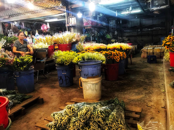 Chợ hoa sỉ lớn nhất Sài Gòn có nguy cơ vỡ trận như 2 năm trước? - Ảnh 2.