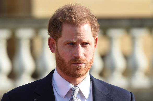 Hoàng tử Harry nói ra đi, lòng vẫn hướng về nước Anh - Ảnh 1.