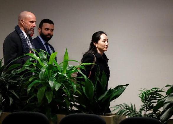 Bắt đầu phiên tòa xét xử dẫn độ bà Mạnh Vãn Chu - Ảnh 1.