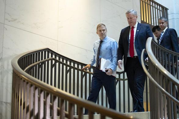Ông Trump chỉ định một số hạ nghị sĩ Đảng Cộng hòa vào đội bào chữa - Ảnh 1.
