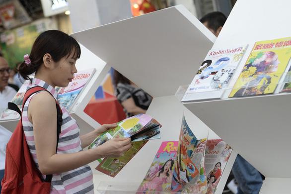 TP.HCM khai mạc lễ hội đường sách Tết Canh Tý 2020 - Ảnh 7.