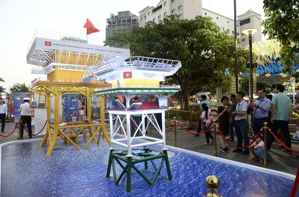 TP.HCM khai mạc lễ hội đường sách Tết Canh Tý 2020 - Ảnh 5.