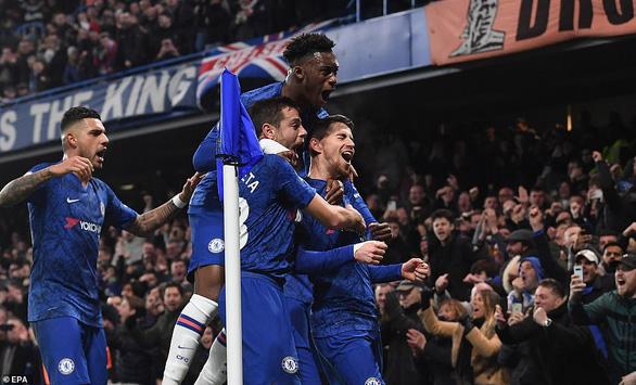 Chelsea bị 10 người Arsenal cầm chân sau hai lần dẫn trước - Ảnh 2.