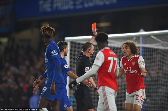 Chelsea bị 10 người Arsenal cầm chân sau hai lần dẫn trước - Ảnh 1.