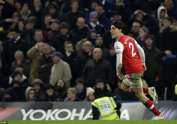 Chelsea bị 10 người Arsenal cầm chân sau hai lần dẫn trước - Ảnh 4.