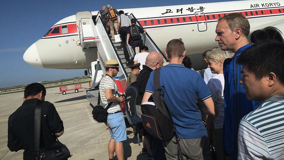Triều Tiên đóng cửa biên giới, cấm du khách vì virút lạ ở Trung Quốc - Ảnh 1.