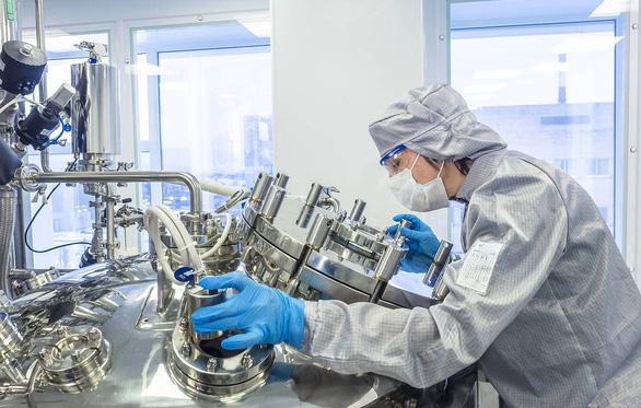 Nga phát triển văcxin chống virút lạ ở Trung Quốc - Ảnh 1.