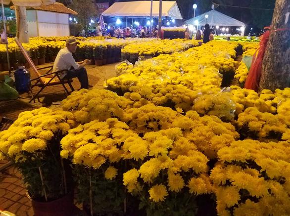 Hoa có ế thì thà cho chứ không bán rẻ mạt - Ảnh 1.