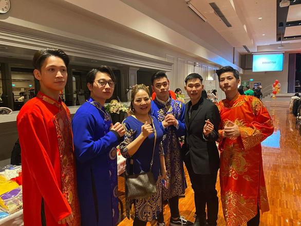 Du học sinh Việt rộn ràng đón Tết cổ truyền - Ảnh 2.