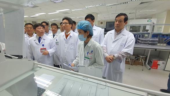 Nữ sinh từ Vũ Hán về nhập viện ở Hà Nội nghi bị viêm phổi cấp - Ảnh 1.