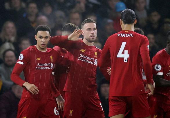Thắng sát nút Wolverhampton 2-1, Liverpool duy trì mạch bất bại - Ảnh 1.