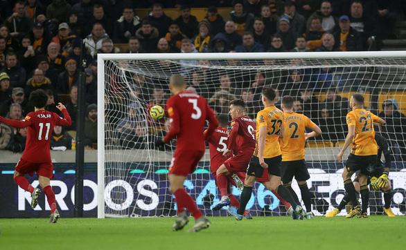 Thắng sát nút Wolverhampton 2-1, Liverpool duy trì mạch bất bại - Ảnh 3.