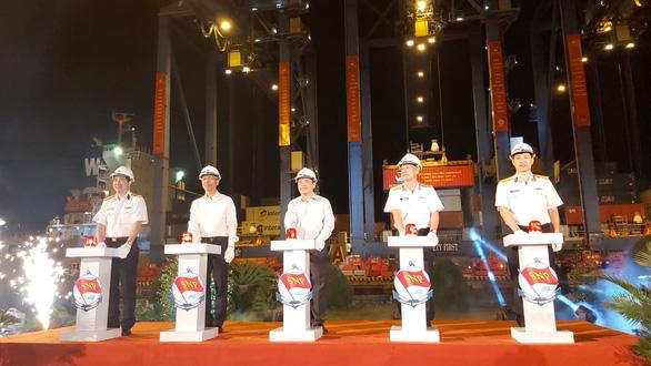 Xuất lô hàng nông sản, may mặc đầu tiên chào Xuân Canh Tý - Ảnh 1.