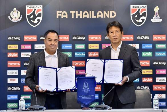Ông Nishino: Huấn luyện viên người Thái đang thiếu cả số lượng lẫn chất lượng - Ảnh 1.