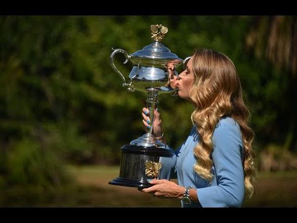 Hoa khôi quần vợt Wozniacki giải nghệ trong nước mắt - Ảnh 4.
