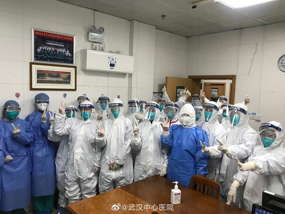 Thêm 15 người chết vì virus corona ở Trung Quốc, dịch lan tới châu Âu - Ảnh 1.