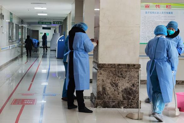 Phát hiện bất ngờ: Ca nhiễm virus corona đầu tiên không liên quan chợ hải sản Vũ Hán - Ảnh 2.