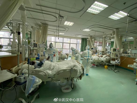 Bác sĩ đầu tiên ở bệnh viện Hồ Bắc chết vì virus corona - Ảnh 1.