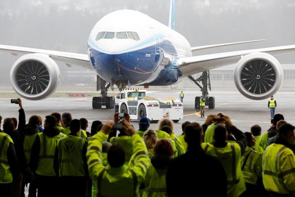 Thử nghiệm thành công máy bay chở khách lớn nhất thế giới - Ảnh 1.