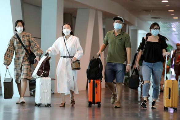Nhiều nơi cấm người từ Vũ Hán, Hồ Bắc nhập cảnh do lo ngại virus corona - Ảnh 1.