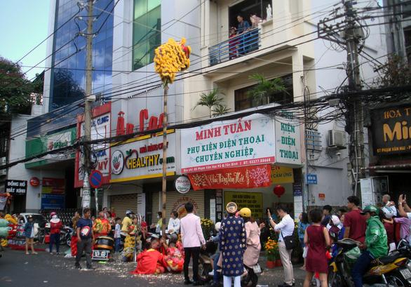 Nói ăn Tết Sài Gòn chán nghe không vô, không rành tết Sài Gòn rồi nha - Ảnh 2.