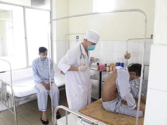 Lo an toàn, Đà Nẵng phân lại khu vực cách ly người nghi nhiễm virus corona mới - Ảnh 1.