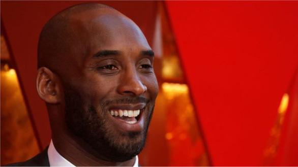 Huyền thoại bóng rổ Kobe Bryant cùng con gái thiệt mạng vì trực thăng rơi - Ảnh 1.