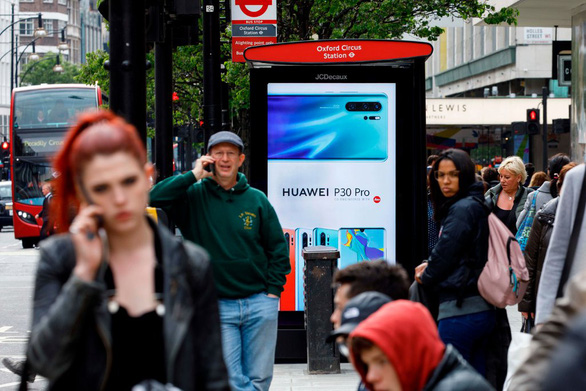 Anh tuyên bố không cấm thiết bị Huawei - Ảnh 1.