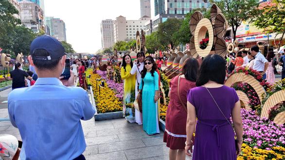 Đường hoa Nguyễn Huệ Tết Canh Tý: 36 trẻ nhỏ bị lạc đều được tìm thấy, trả về gia đình - Ảnh 1.
