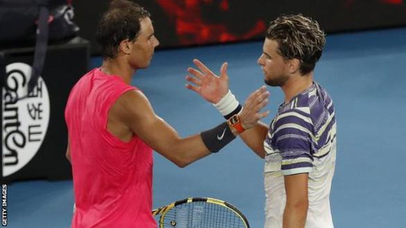 Tay vợt số 1 thế giới Nadal bị loại ở tứ kết Giải Úc mở rộng - Ảnh 1.