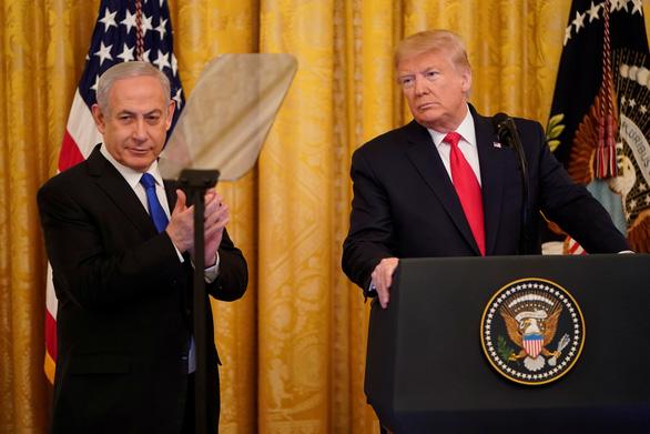 Ông Trump công bố kế hoạch hòa bình Trung Đông, các nước phản ứng trái chiều - Ảnh 1.