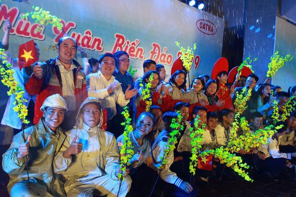 Mùa xuân biển đảo lần 9 đến với huyện đảo Phú Quý - Ảnh 1.