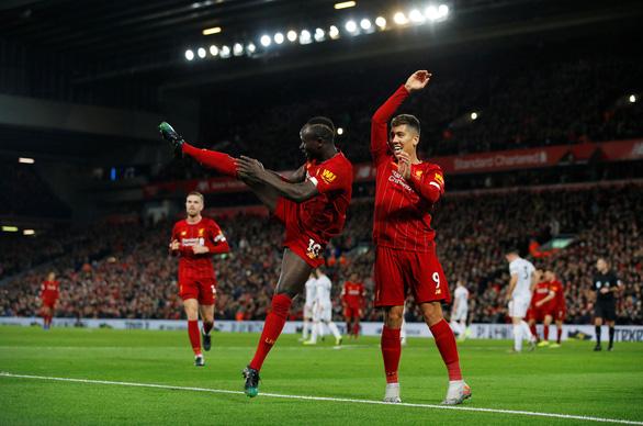 Thắng nhẹ nhàng Sheffield, Liverpool vững chắc ngôi đầu Premier League - Ảnh 3.