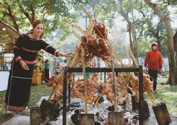 Ẩm thực Lễ hội Tết Việt - Tet Festival 2020 hút khách - Ảnh 2.