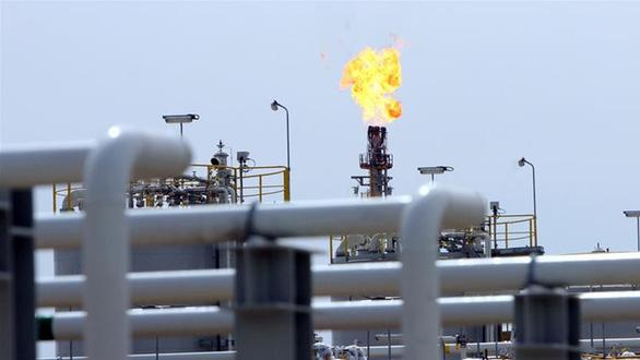 Giá dầu tăng tích tắc sau vụ Mỹ tiêu diệt tướng Iran - Ảnh 1.
