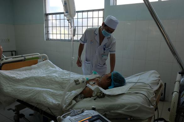 Bệnh nhân bị ngừng tim sau khi ăn ốc bùn bống may mắn thoát chết - Ảnh 1.